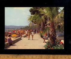 JUAN LES PINS Alpes Maritimes 06 : Les Plages  Boulevard Charles Guillaumont / Bikini Girl Voman Femme Fille En Maillot - Juan-les-Pins