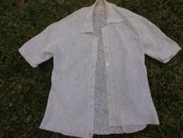 Gilet Vintage Realie Au Crochet  D'une Finesse Extreme-boutons Nacre Auteur 40cm Epaule A Epaule 31cm - Vintage Clothes & Linen