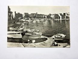 Carte Postale Ancienne : LA ESCALA ( Costa Brava ): Embarcaderos - Gerona