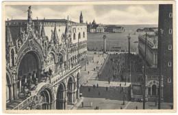 ITALIA - ITALY - ITALIE - 1955 - VENEZIA - Chiesa E Piazza S. Marco - Viaggiata Da Venezia Per Évreux, Francia - Venezia