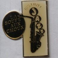 Pin´s Musique Jazz Saxophone Bistrot La Soupe Aux Choux - Musica