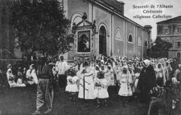 (1029) CPA  Albanie Ceremonie Religieuse Catholique  (bon Etat) - Albanie