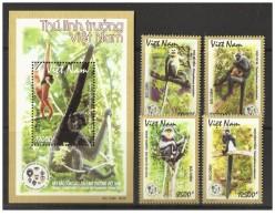 Vietnam Viet Nam MNH Stamps With Board & Souvenir Sheet 2014 : Wildlife At Risk / Fauna / Monkey / Gibbon (Ms1049) - Vietnam