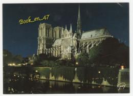 {41557} 75 Paris , La Cathédrale Notre Dame Illuminée - Notre Dame De Paris