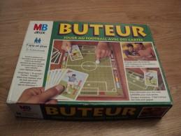 BUTEUR. 1996. JOUER AU FOOTBALL AVEC DES CARTES. MB. 7 ANS ET PLUS. 2 A 4 JOUEURS - Jeux De Société