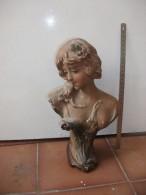 Scultpture Platre, Buste Et Femme,bon Etat , Marque Déposé France,23 - Unclassified