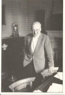 ANGERS - Hommage Au Dr. Léon MOUSSEAU, Président De L´Association Des Écrivains Et Poètes De L´Anjou. - Angers