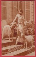 Mistinguett Avec Des Chèvres - Entertainers