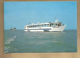 Jolie CP La Sirène De La Baie Bateau Amphibie Croisière Mont Saint Michel 35 Le Vivier Sur Mer - Ed NCA - Cp Pas écrite - Bateaux