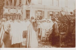 LUXEMBOURG-CARTE PHOTO-GRANDES DUCHESSES ET PRINCESSES-PROCESSION 9.05.1915-REPOSOIR DE LA RUE MARIE THERESE - Luxemburg - Town