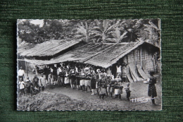 Gabon - Danses Et Tam Tam  Près Du Lambaréné - Gabon