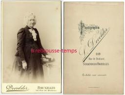 Grand CDV (Cabinet)  Portrait De Femme âgée élégante-photo Devolder à Schaerbeek Bruxelles Rue De Brabant - Fotos