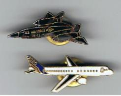 Lot 2 Pin's  Avions  A 320 &  US Air Force - Airplanes
