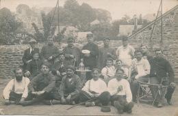 GUERRE 1914-18 - MAYENNE - Belle Carte Photo Portrait Militaires Blessés Posant à L'Hôpital 34 à MAYENNE En 1915 - Mayenne