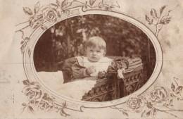 Carte Photo Originale Landau & Poussette - Landau Avec Décorations En Fer Forgé Et Enfant LE 14.10.1910 - LINZ - Objets