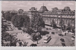 CT /  CPSM 9X14 . PARIS (11°)  Pl. De La République ( Magasins Réunis  / Autobus Et Autos Années 50) - Arrondissement: 11