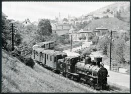 LOK JZ 83-085 Mit Personenzug,Schmalspur, Bei Der Ausfahrt Aus Travnik (Bosnien-Herzegowina),Eisenbahn,Foto Luft - Chemins De Fer