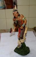 STATUE FIGURINE INDIEN QUI DANSE BELLES COULEURS ETAT NEUF 35 Cm - Sculptures