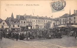 CPA 86 CHATELLERAULT PLACE DU MARCHE - Chatellerault