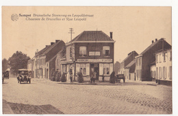 Zemst: Brusselsche Steenweg En Leopoldstraat. Benzinepomp. Au Bon Coin. - Zemst