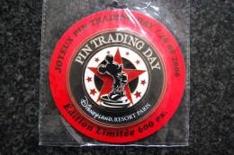 DLRP - Happy Pin Trading Day 2006 – Jumbo   Limited Edition 600 Ex. - Disney