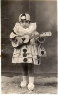 Foto Di Bambina In Maschera - Anonieme Personen
