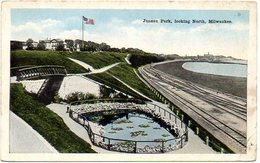 Juneau Park, Looking North MILWAUKEE , WISCONSIN  ( Etats Unis ) - Milwaukee
