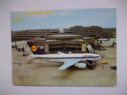 Flughafen Köln-bonn , Avion De La Lufthansa - 1946-....: Ere Moderne