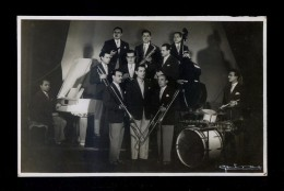 Foto *Guirau* Conjunto *Orquesta Fachendas. Sabadell* Meds: 117x176 Mms. - Foto