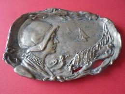 TRES BEAU SOUVENIR PECHEUSE  SERVITEUR PETIT PLATEAU    ****  A   SAISIR  **** - Other Collections