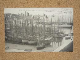 Carte Postale Ancienne Ile De Groix Morbihan 56 Aspect Du Port Avant Le Départ De La Flotille - Groix