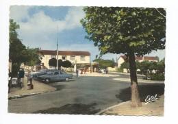 LES CLAYES SOUS BOIS  La Place De La Gare - Les Clayes Sous Bois