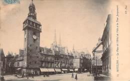 03 - Moulins - La Place De L'Hôtel De Ville Et La Tour Jacquemart - Moulins