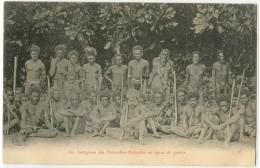 NOUVELLES HEBRIDES - INDIGENES EN TENUE DE GUERRE - Vanuatu