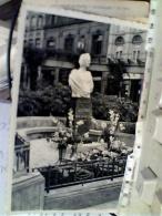 BELGIQUE -BELGIO Arlon > Square Astrid - Statue De La Reine Astrid - Sculpture Victor Rousseau   VB1953  FM2452 - Arlon