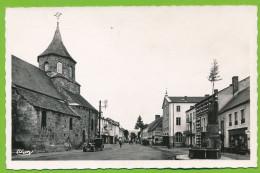 BOURG-LASTIC - Le Monument Aux Morts Et L'Eglise Citroen B14 Auto Attelage Cheval Publicité Petit Beurre LU Mobiloil - Frankreich