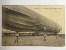LUNÉVILLE : Un Zeppelin, Vu De Côté, Au Champ De Mars (3 Avril 1913). Très Animée. BE - Dirigeables
