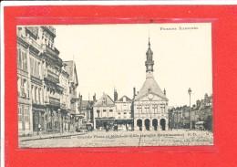 80 PERONNE Cpa Animée Grande Place Hotel De Ville Epoque Reconnaissance        4 P D - Peronne