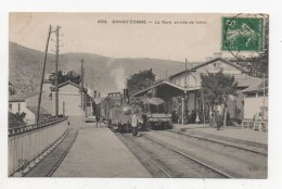 LA GRAND COMBE  LA GARE ARRIVEE DE TRAINS - Stations - Met Treinen