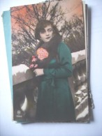 Nice Lady Nostalgic Old Card - Postkaarten
