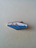 """VINTAGE 1960""""SJAPAN FEDERATION CANU KAYAK 2 SEAT PIN BADGE ORIGINAL STONE RUBIN - Canoeing, Kayak"""