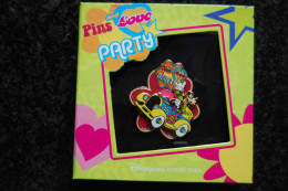 DLRP - Pin Trading Event - Pins And Love (Goofy Boxed Pin)  Limited Edition 600 Ex. - Disney
