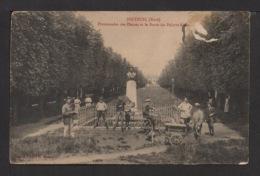CPA: Dépt .27. BRETEUIL . Promenades Des Plesses Et Le Buste Du Peintre RIBOT. Animation . - Breteuil