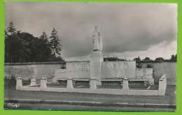 MAUZE-SUR-LE-MIGNON - Monument élevé à La Mémoire De René Caillé Photo Véritable Circulé 1962 - Mauze Sur Le Mignon