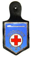 Insigne SECOURISTE CRF Croix Rouge Francaise. Email. Chobillon. Vers 1940-1950. Avec Son Cuire - Army