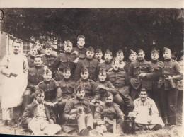 Foto Photo (8,5 X 11,5cm) Souvenir Service Militaire Hôpital Militaire De Liège 1921 ? (stempel Soldaat Soldat Militair) - Liège