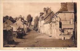 72 - BEAUMONT LA CHARTRE : Centre Du Bourg ( Hotel - Automobile ) - CPA - Sarthe - Beaumont Sur Sarthe