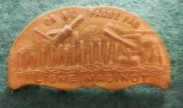 INSIGNE ON NE PASSE PAS  LIGNE MAGINOT - 1939-45