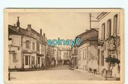 Br -  24 -  MUSSIDAN - Rue De Lyon - RARE - Mussidan