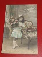 ENFANTS  -  FANTAISIES -   Fillette Au Bouquet  De Fleurs - Portretten